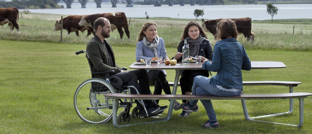 Handicapvenlig bord-/bænkesæt fra Outsider